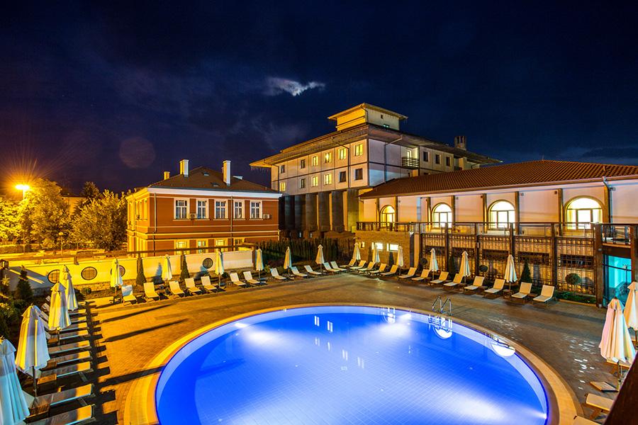 Хотел Каменград****