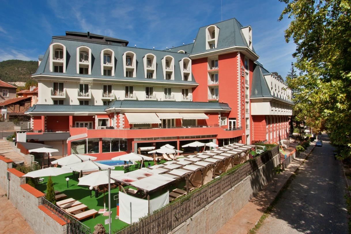 Хотел Акватоник*****