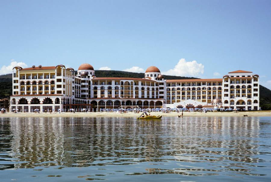 Хотел RIU Helios Bay